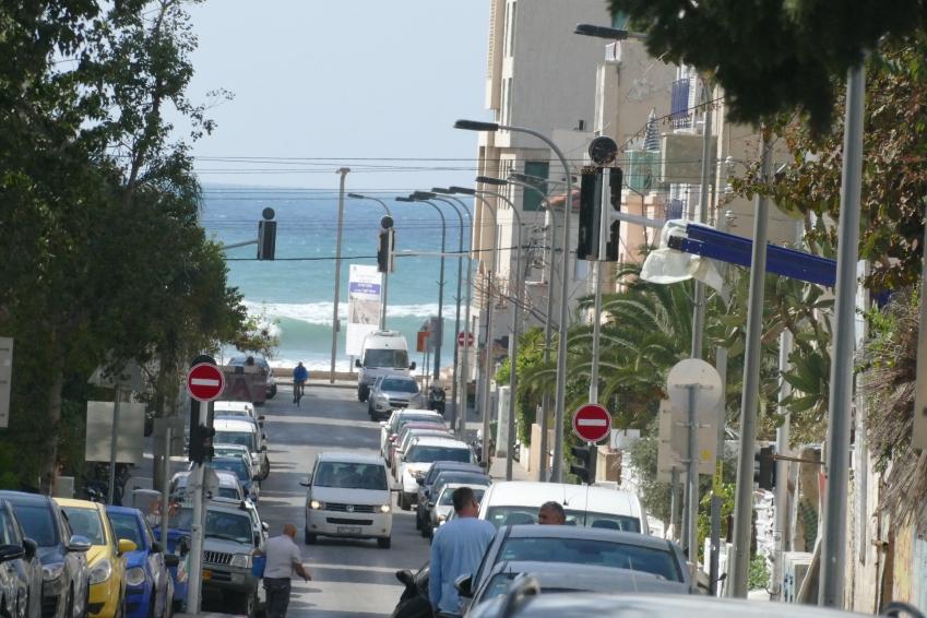 tel aviv beach high waves